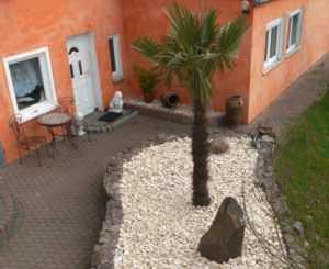 gartengestaltung landschaftsbau pflaster teiche im raum. Black Bedroom Furniture Sets. Home Design Ideas